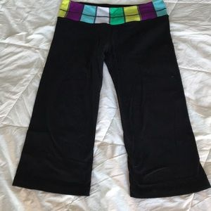Lululemon Black Color Block Cropped Yoga Pants M